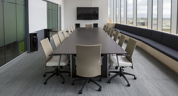 Chaises de bureau et salle de réunion